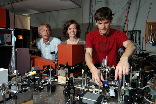 Professor John Huennekens with graduate students in Atomic and Molecular Lab